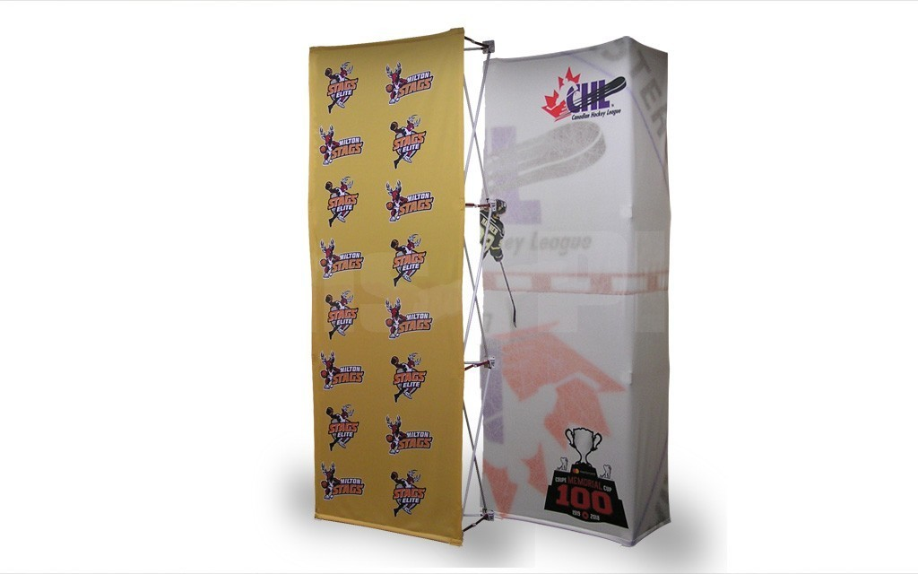 The Velocé Image 1x3 straight pop up tension fabric display (shown with front printed fabric graphic - sold separately) is a great size for 8-10 foot wide exhibit spaces